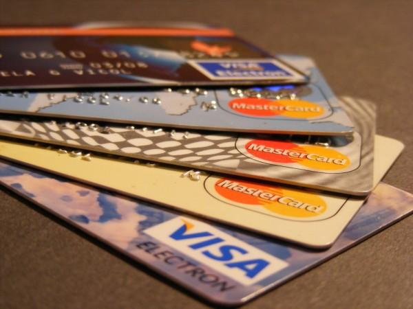 зачем сбербанк навязывает кредитные карты